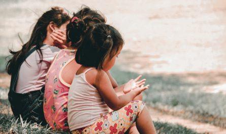 Malé děti, kterých je podporována finanční gramotnost.