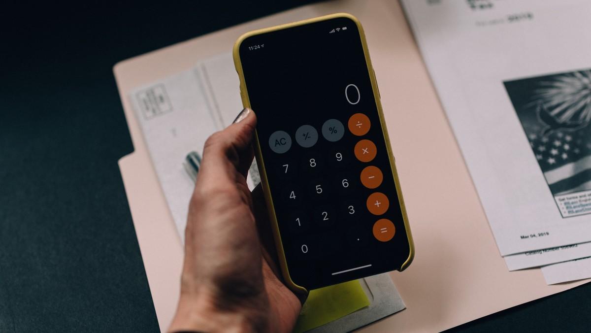 Kalkulačka je pomyslný základ pro rodinný rozpočet.