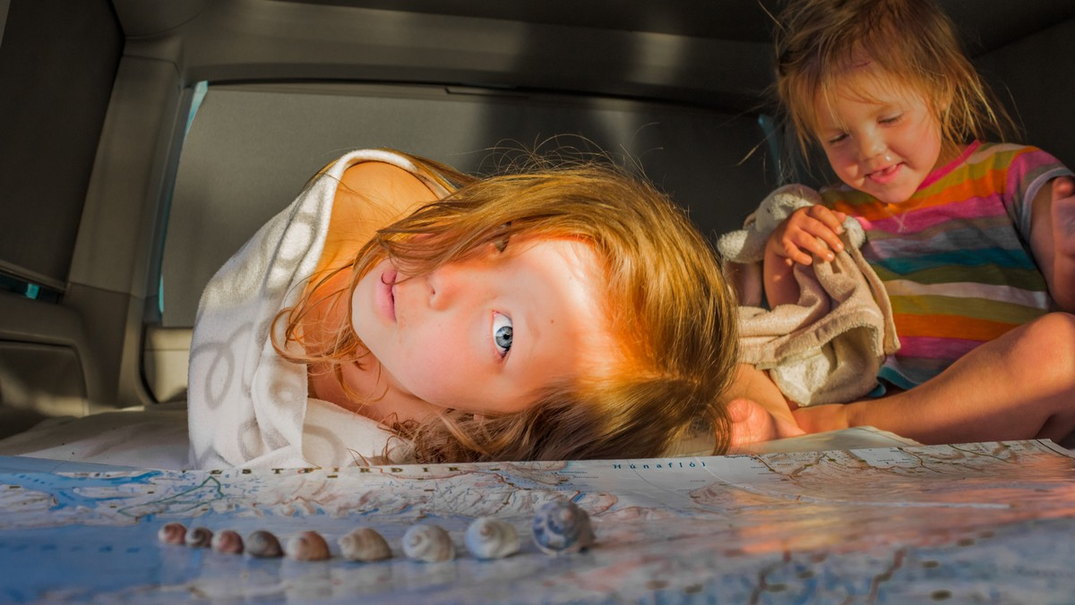 Děti, které postihla sedmá nemoc, ale nyní už jsou zdravé.